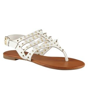 ✨Aldo White Sandal with Gold Pointed Studs GUC 6✨